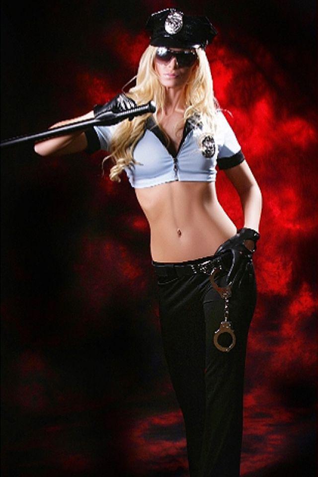 Strippern Lara als Polizistin